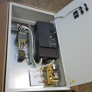Шкаф управления с преобразователем частоты