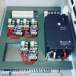 Шкаф управления 3-мя насосами с частотным преобразователем