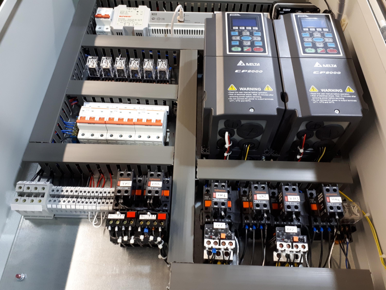 Шкаф управления (автоматики) насосами КНС с преобразователем частоты на контроллерах МЗТА Контар