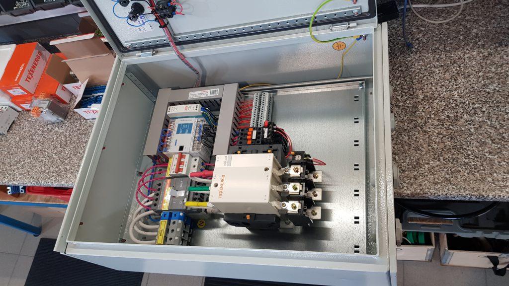 Шкаф управления двумя насосами, погружным и повысительным